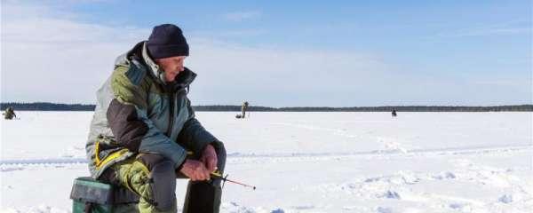 冰面气泡比较多是下面有鱼吗,怎么找冰钓钓位